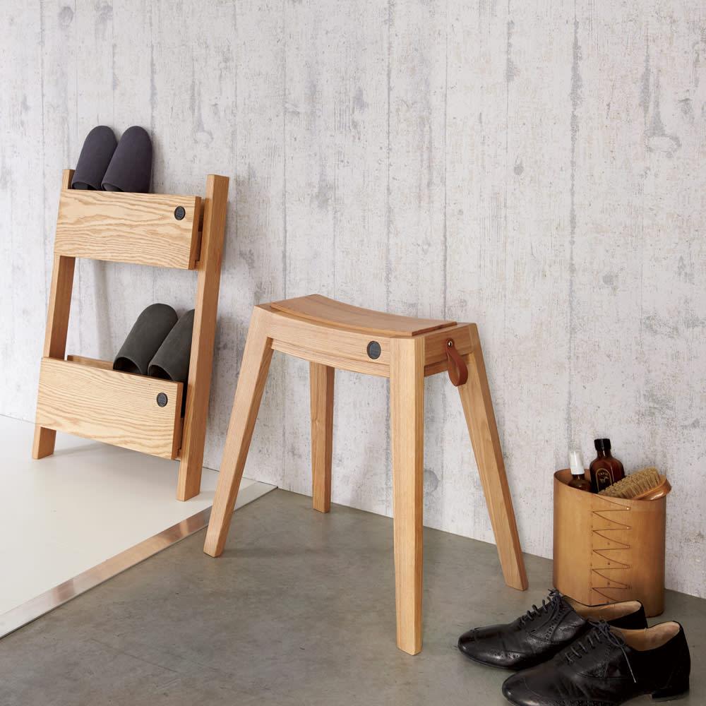ウッドスリムスツール オーク 美しいシルエットの上質感漂う木製スツール