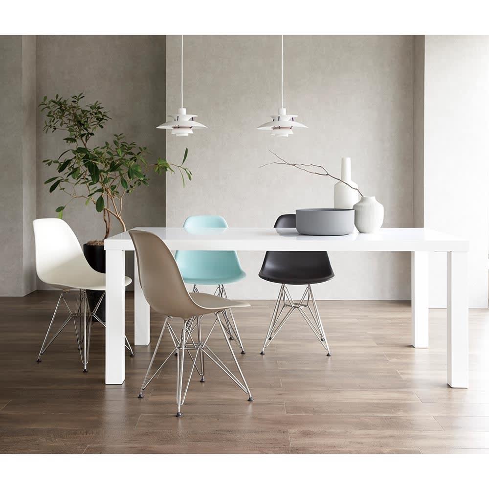 Multi マルチダイニングテーブル ウッドレッグタイプ 幅180cm ホワイト・ウッドレッグタイプ イームズチェアとのコーディネート実例