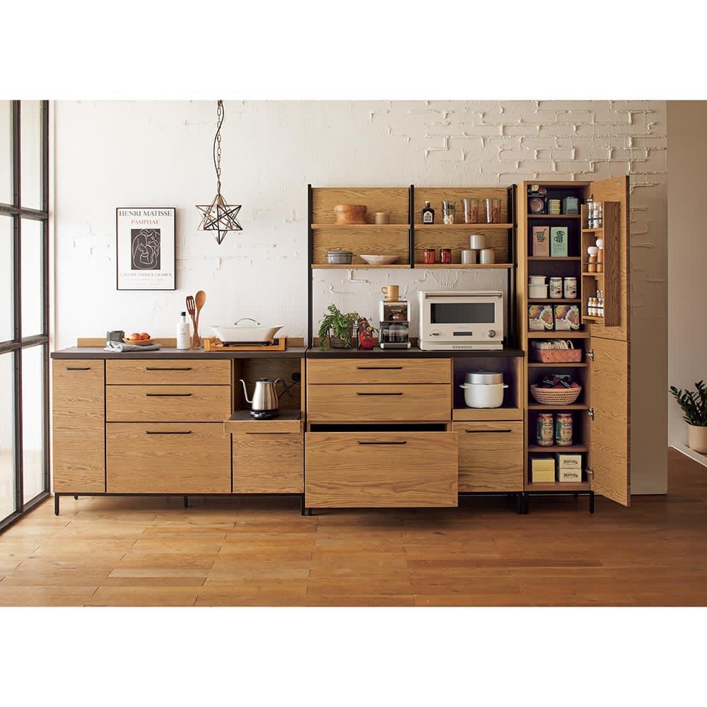 Mattone/マットーネ キッチンシリーズ 幅140cm カウンター [コーディネート例]左:140キッチンカウンター 中央:120キッチンボード 右:40キャビネット ※お届けは140キッチンカウンターのみとなります。