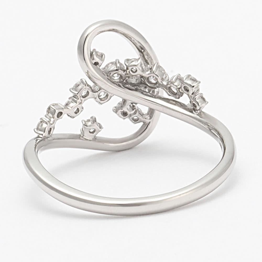 タイムレスプラチナ 0.3ctダイヤ デザイン リング INSIDE
