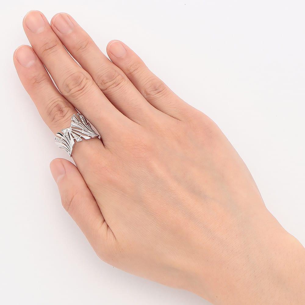 K18 0.6ct ダイヤ デザイン リング (ア)WG 着用例