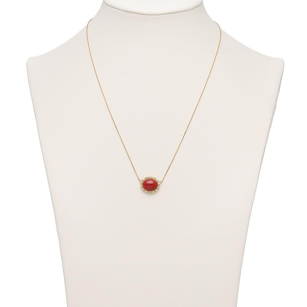 YUKIKO OKURA/ユキコ・オオクラ K18 血赤珊瑚 ダイヤペンダント 着用例