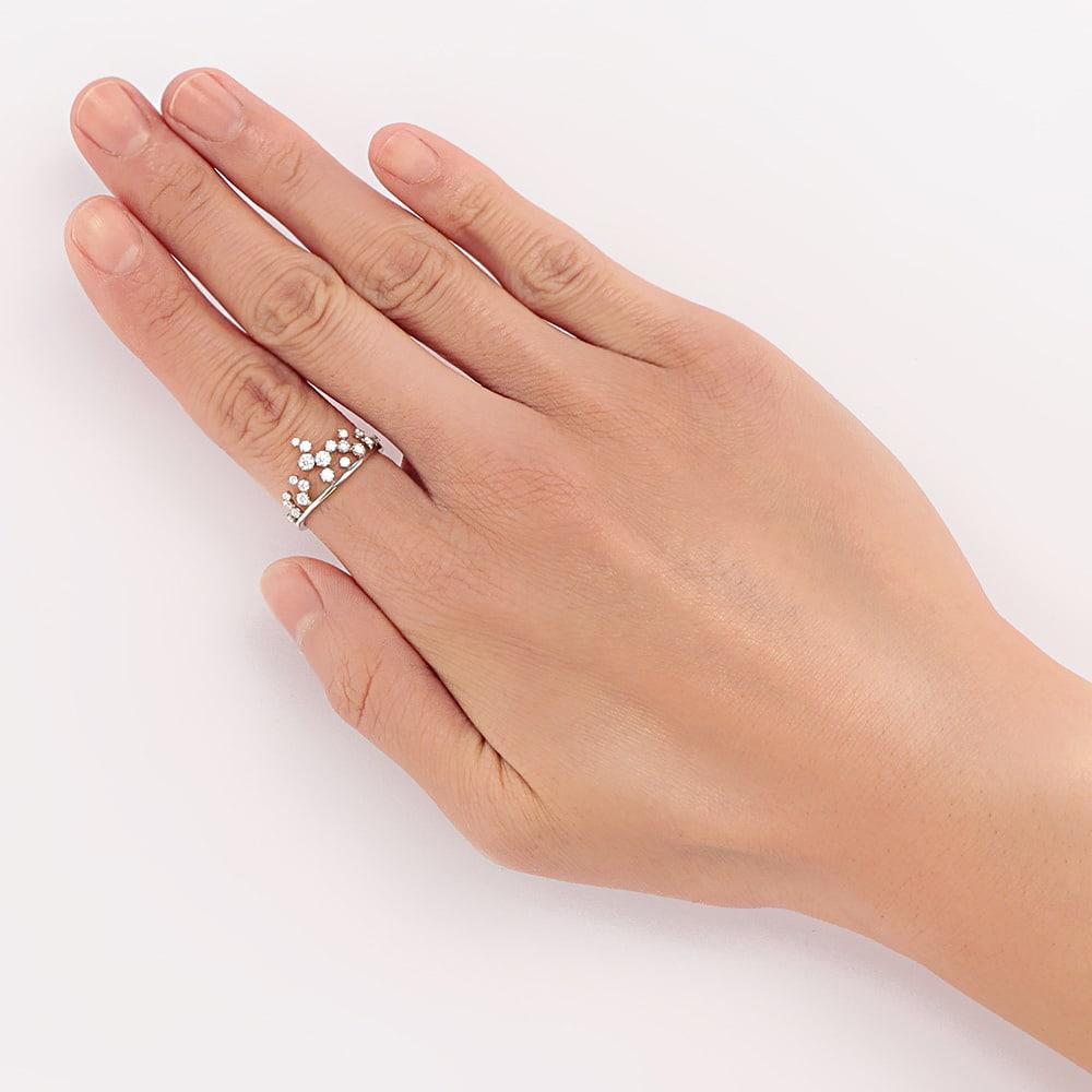 タイムレスプラチナ 0.37ctダイヤ デザイン リング 着用例