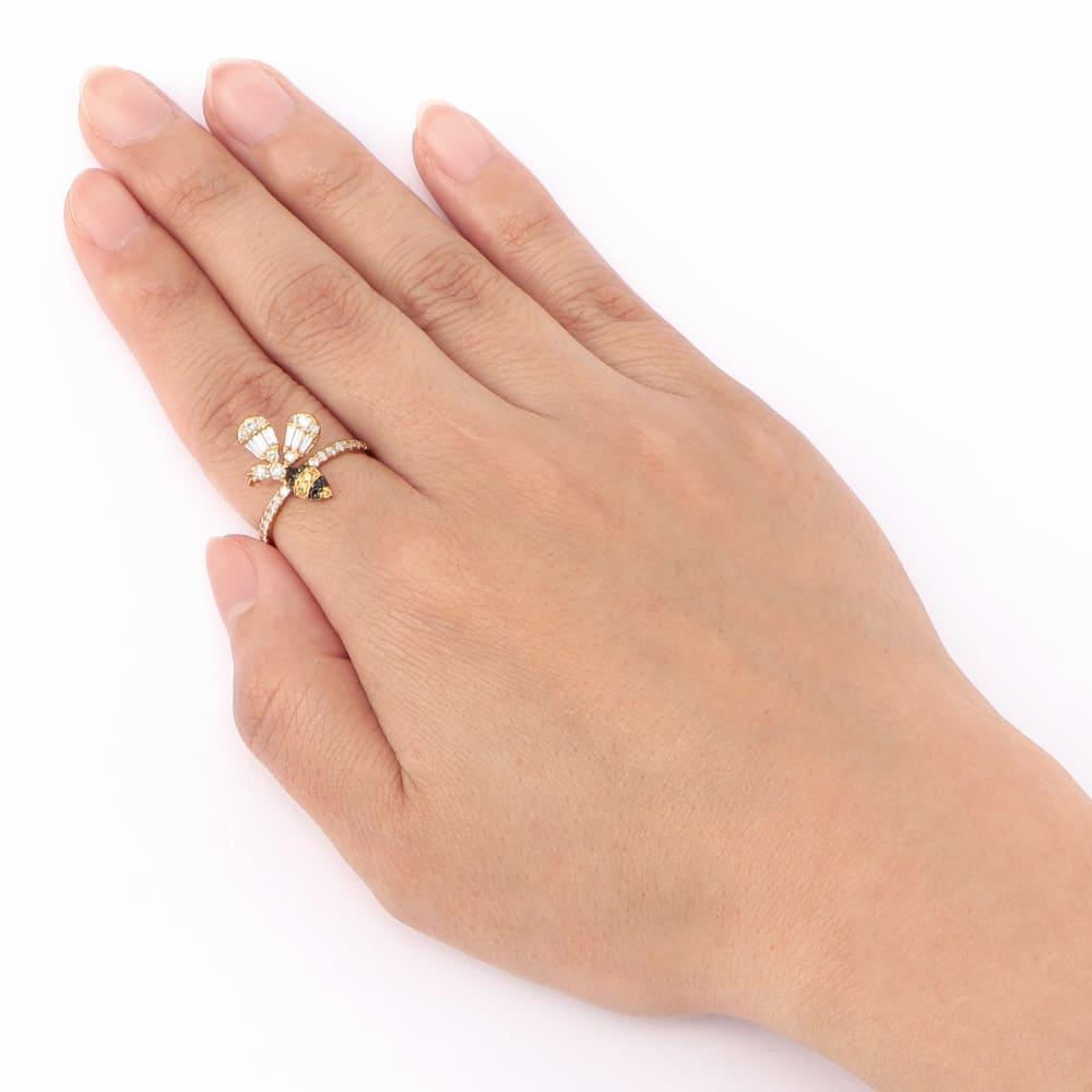 K18 0.7ctダイヤ ミツバチ リング 着用例