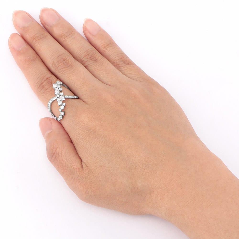 K18 1ctダイヤ デザイン リング 着用例