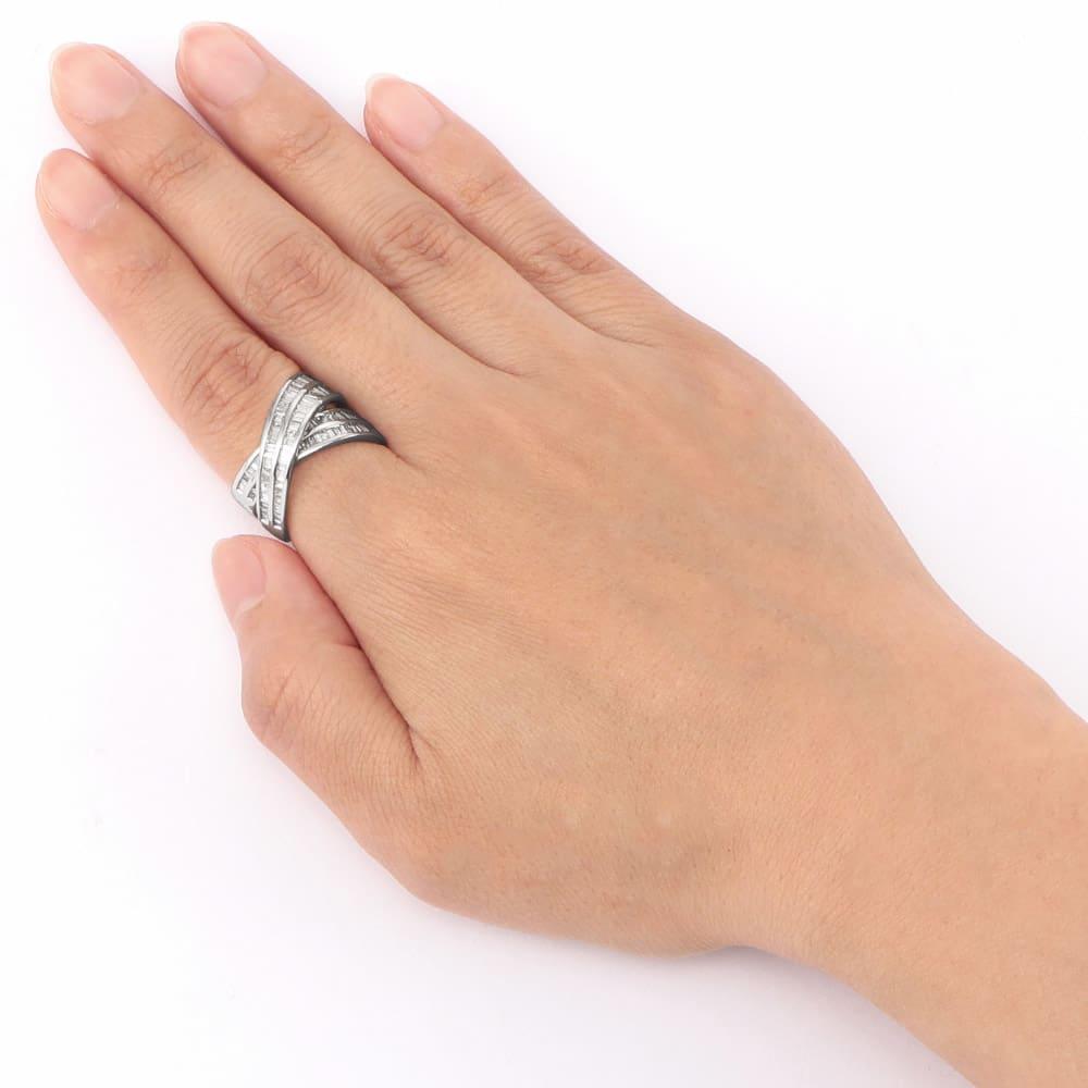 Pt 2ctバゲットダイヤ デザイン リング 着用例