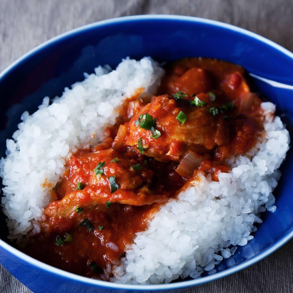 乾燥粒こんにゃく 粒こんきらり (65g×5袋)×4袋 【調理例】 鶏もも肉のトマト煮と粒こんきらり
