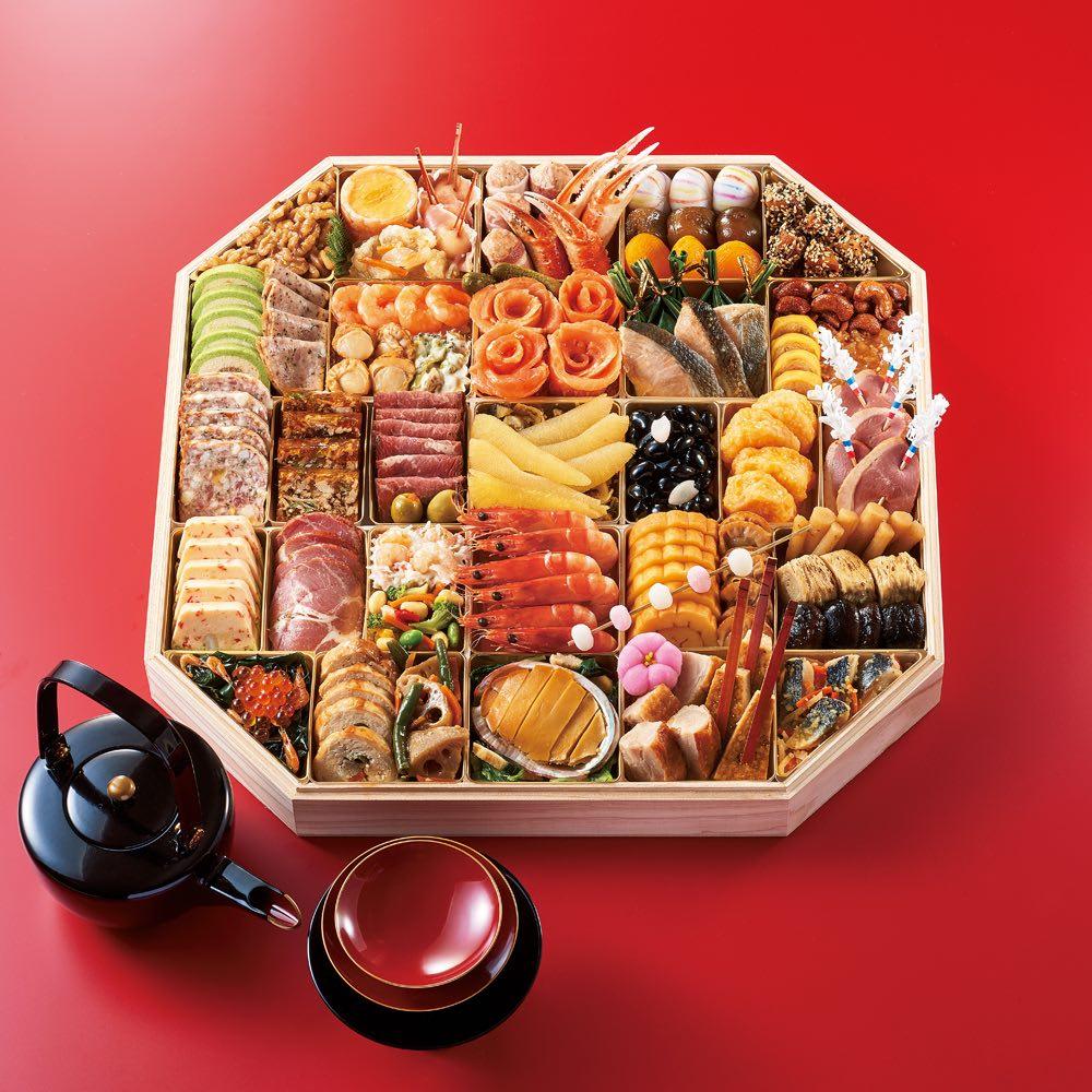 ふく吉 お集まり料理 「慶びの宴」 和洋中3段重(約6~7人前) 全52品 お重のサイズ:縦43.0cm×横43.0cm×高さ4.4cm×1段