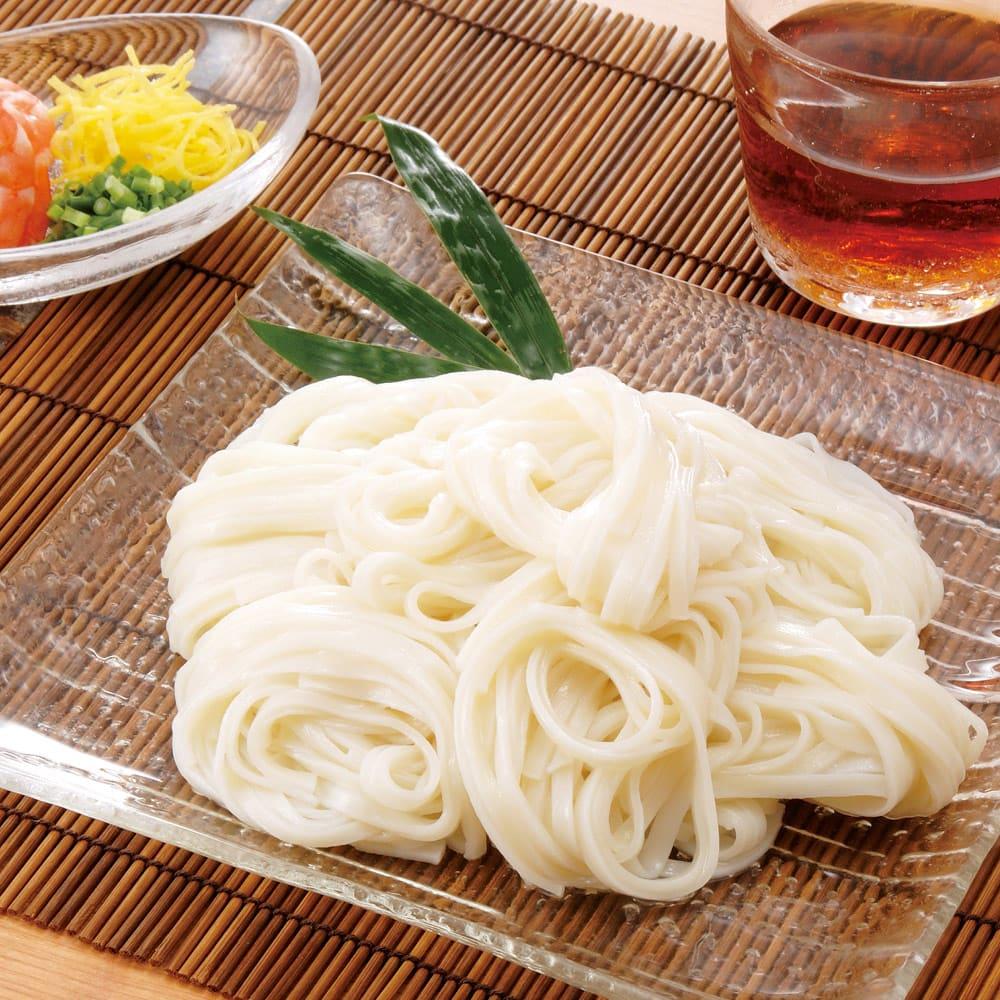 ワケあり稲庭うどん (900g×3袋) 【調理例】 味や食感は、職人が丹誠込めて作り出したあの繊細な稲庭うどんそのもの。