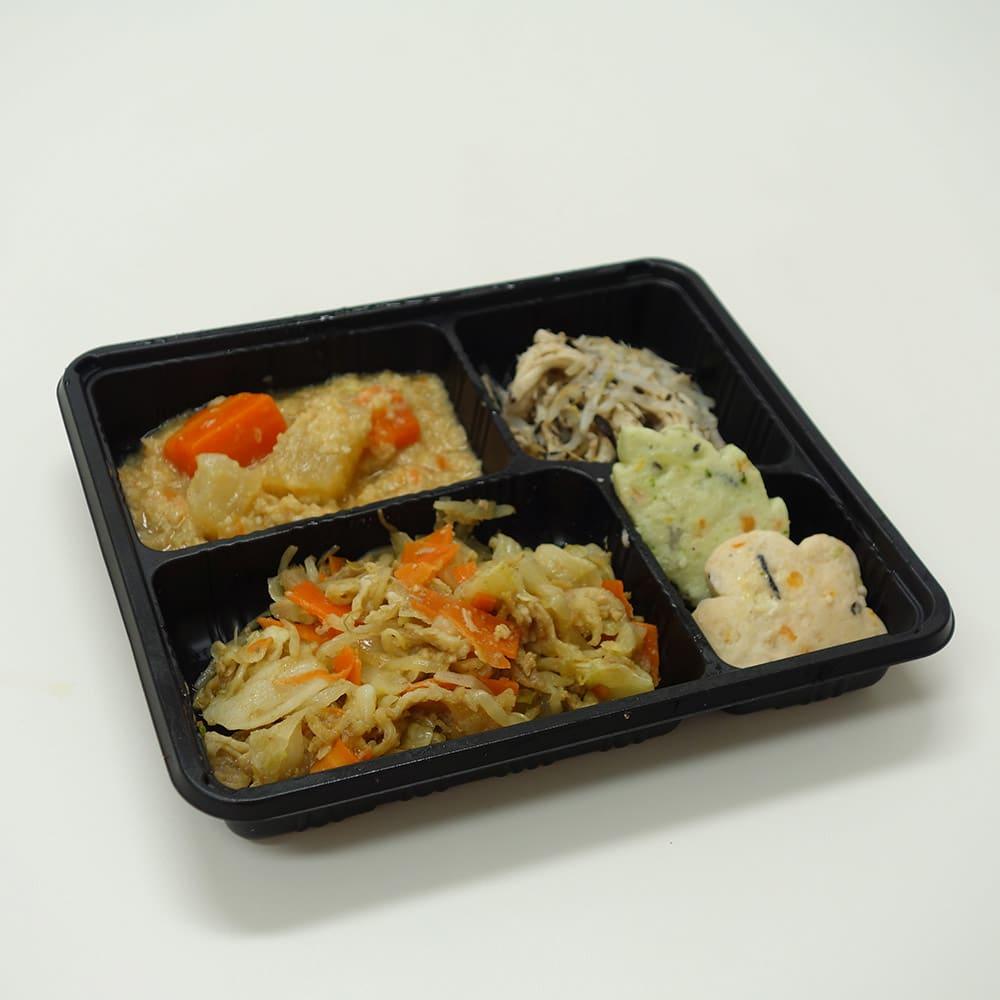 健康バランス7食セット 野菜と豚肉のカレー炒め 【副菜】大根と人参のそぼろ煮/蒸し鶏とひじきの梅肉和え/彩りしんじょう