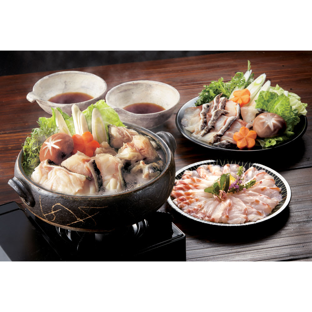 天然本クエ鍋セット(約3人前) 【通常お届け】 【調理例】 脂のりのよいクエを贅沢にお鍋でどうぞ。※こちらの商品は、お刺身は含まれません。