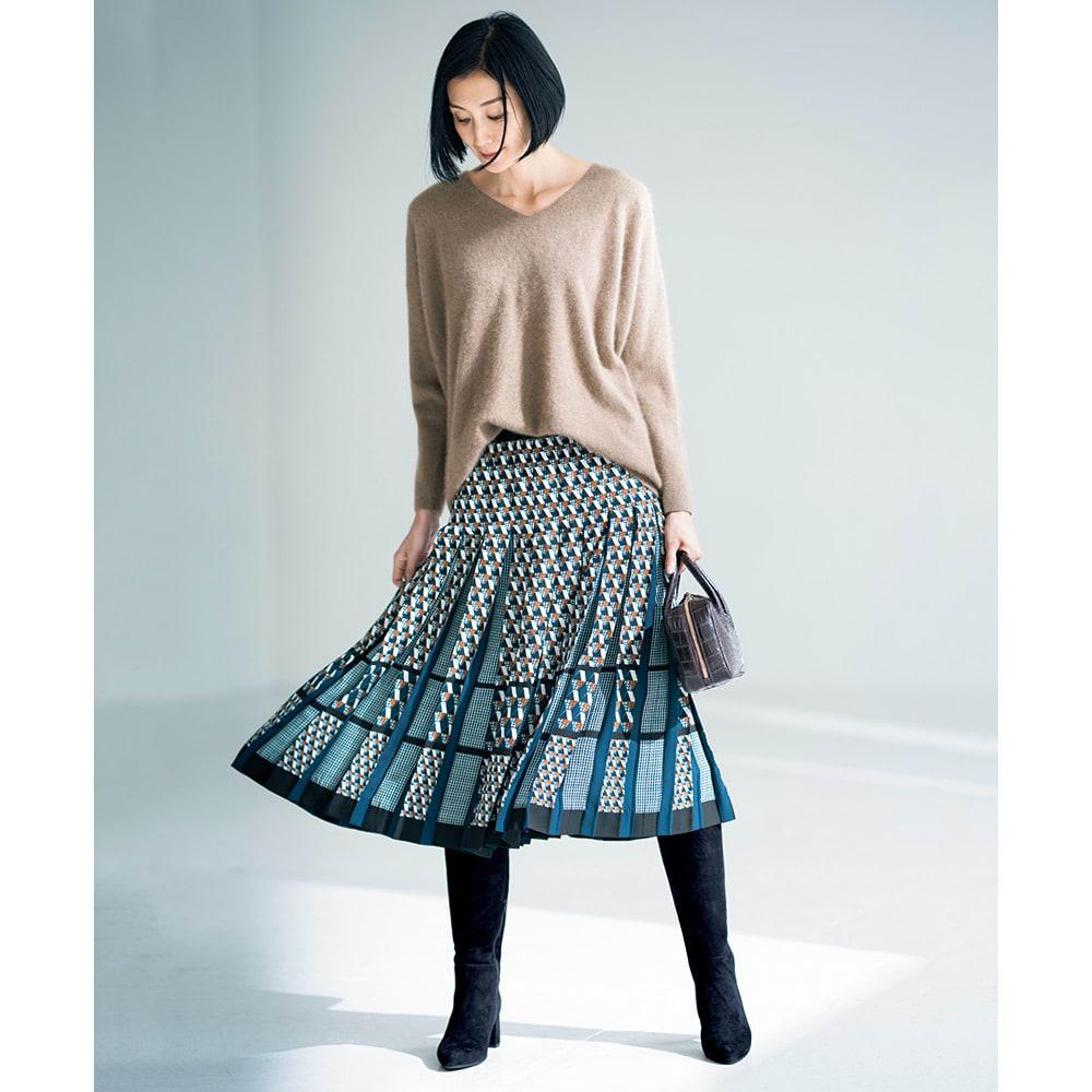 幾何学柄 プリーツ スカート コーディネート例