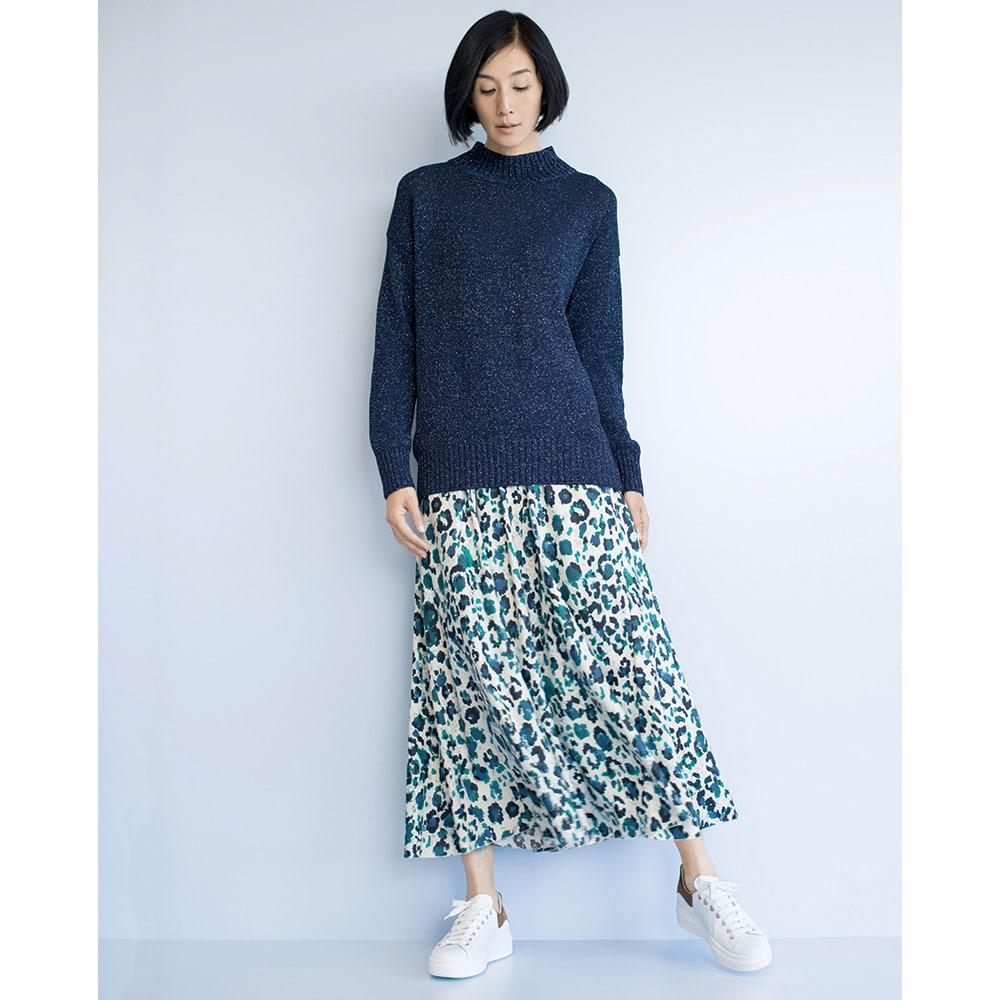 レオパードプリント ロングフレアースカート コーディネート例 /オーバーサイズ×ロング丈。このバランスが今年らしい。