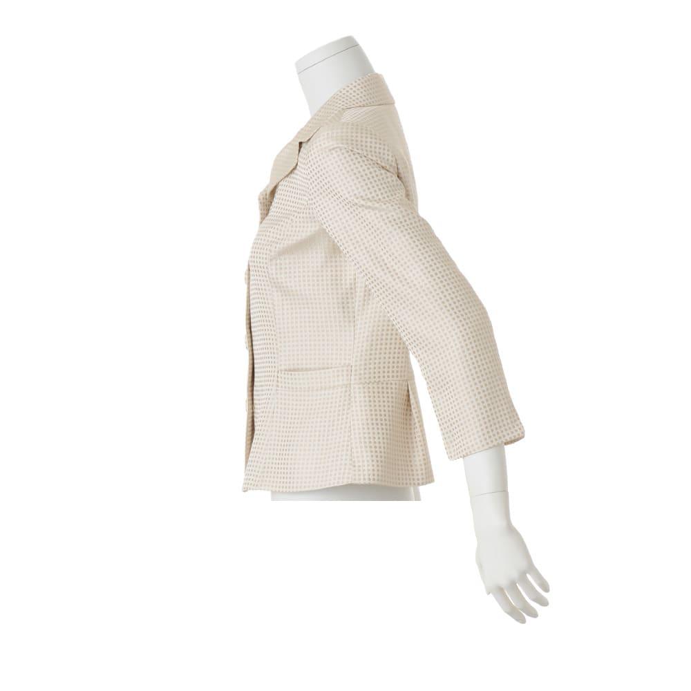 フェルラ社 シルク ドットジャカード ジャケット