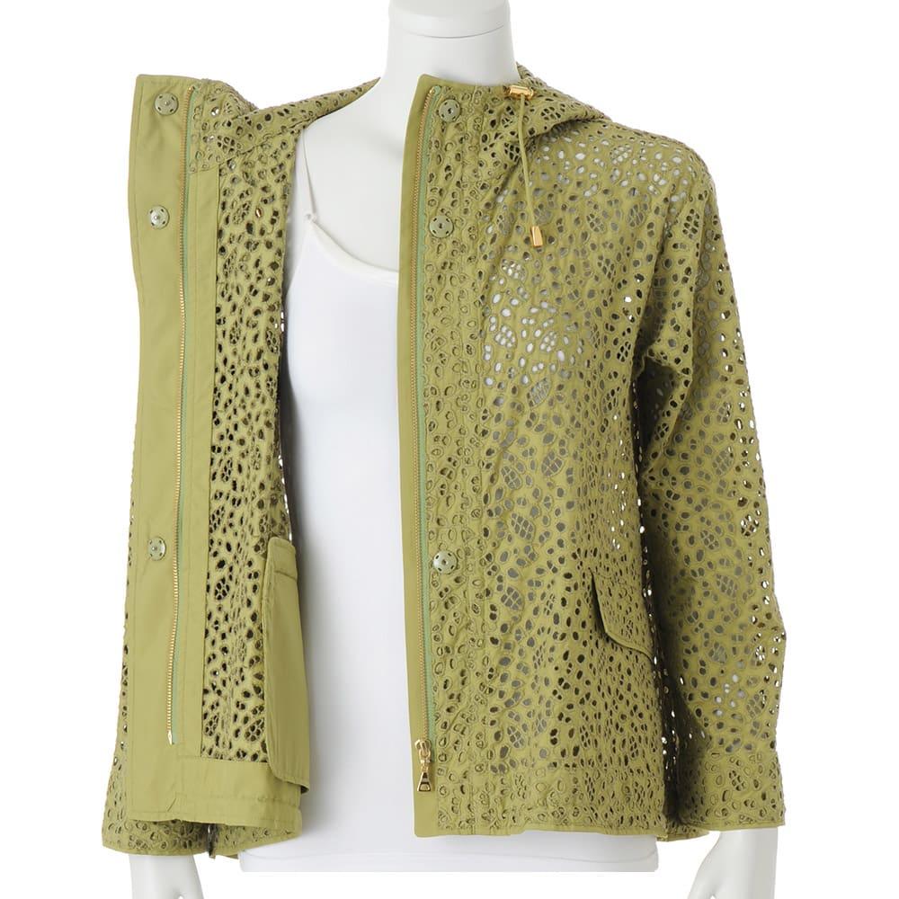 高密度タフタ 総刺繍 フーデッド ジャケット 前中心スナップボタン・ファスナー開き  ※インナーは含まれません
