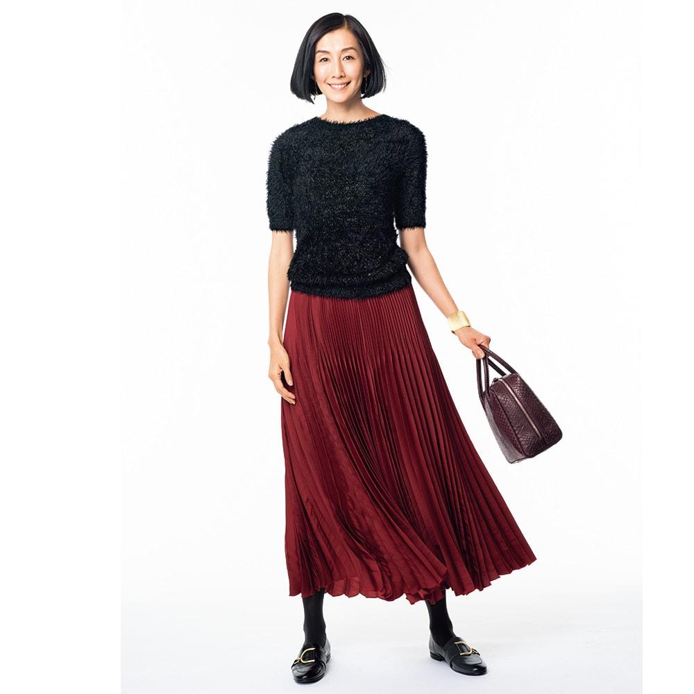サテン素材 変形プリーツ スカート (ア)レッド コーディネート例