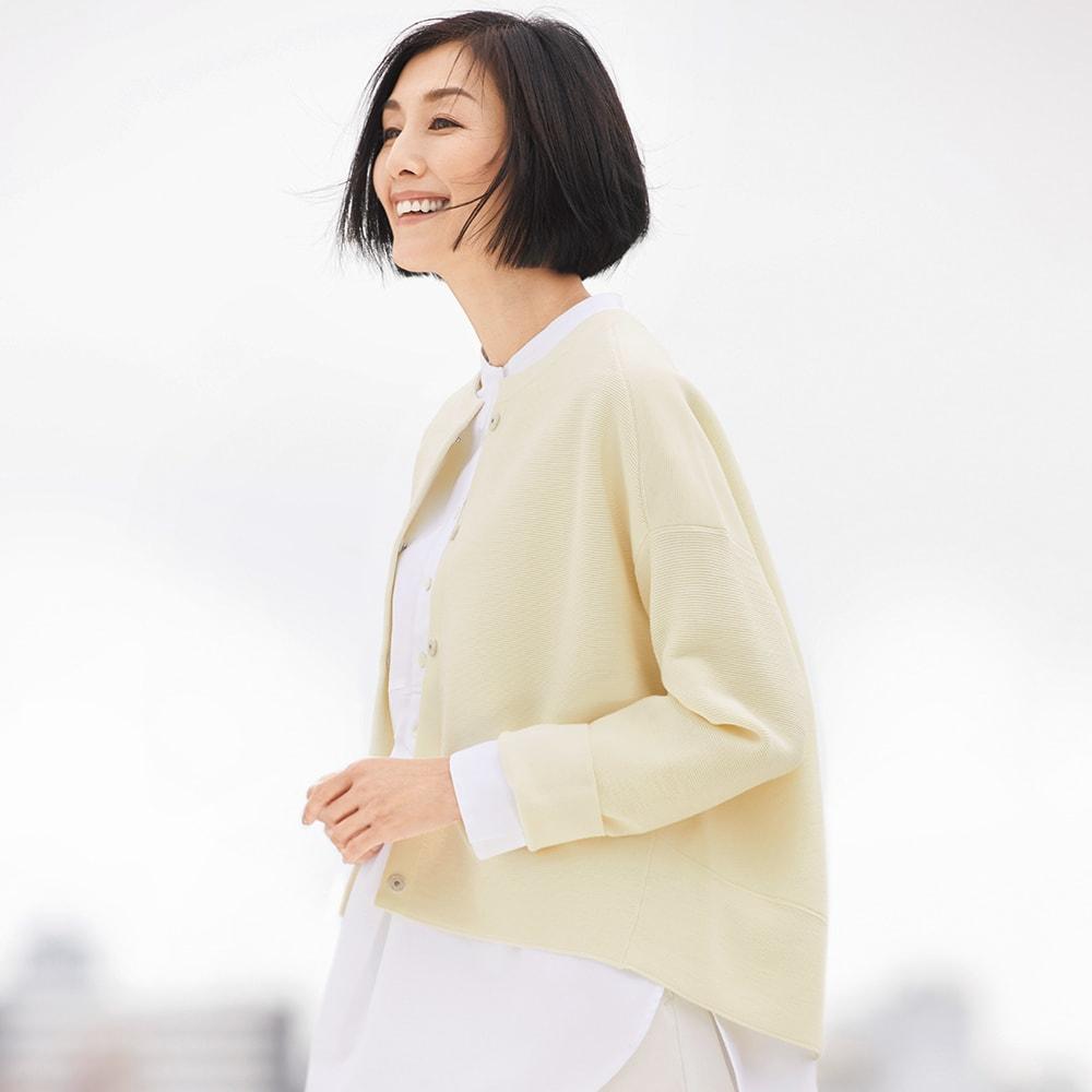 タック編み ニットジャケット 着用例