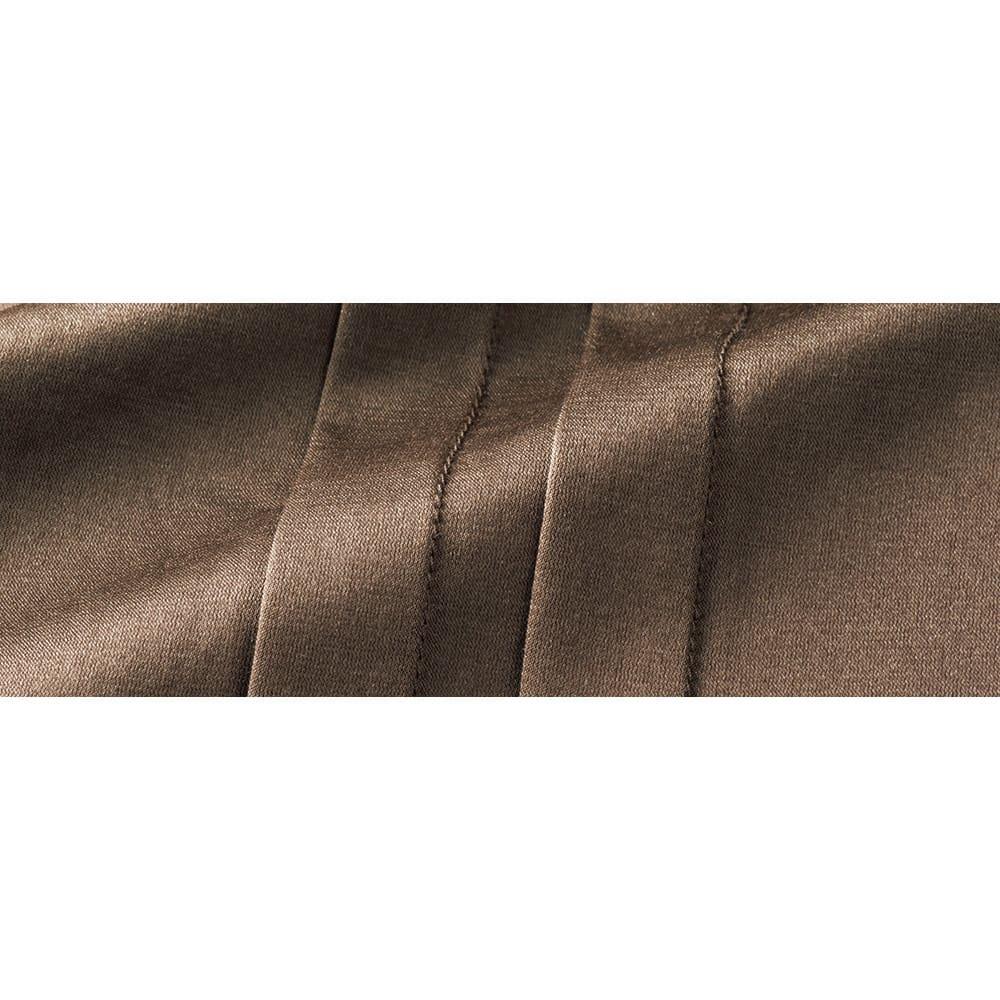 コットンシルクサテン&イタリア糸シルクリネンニット アンサンブル(カーディガン+プルオーバー) プルオーバー 生地アップ