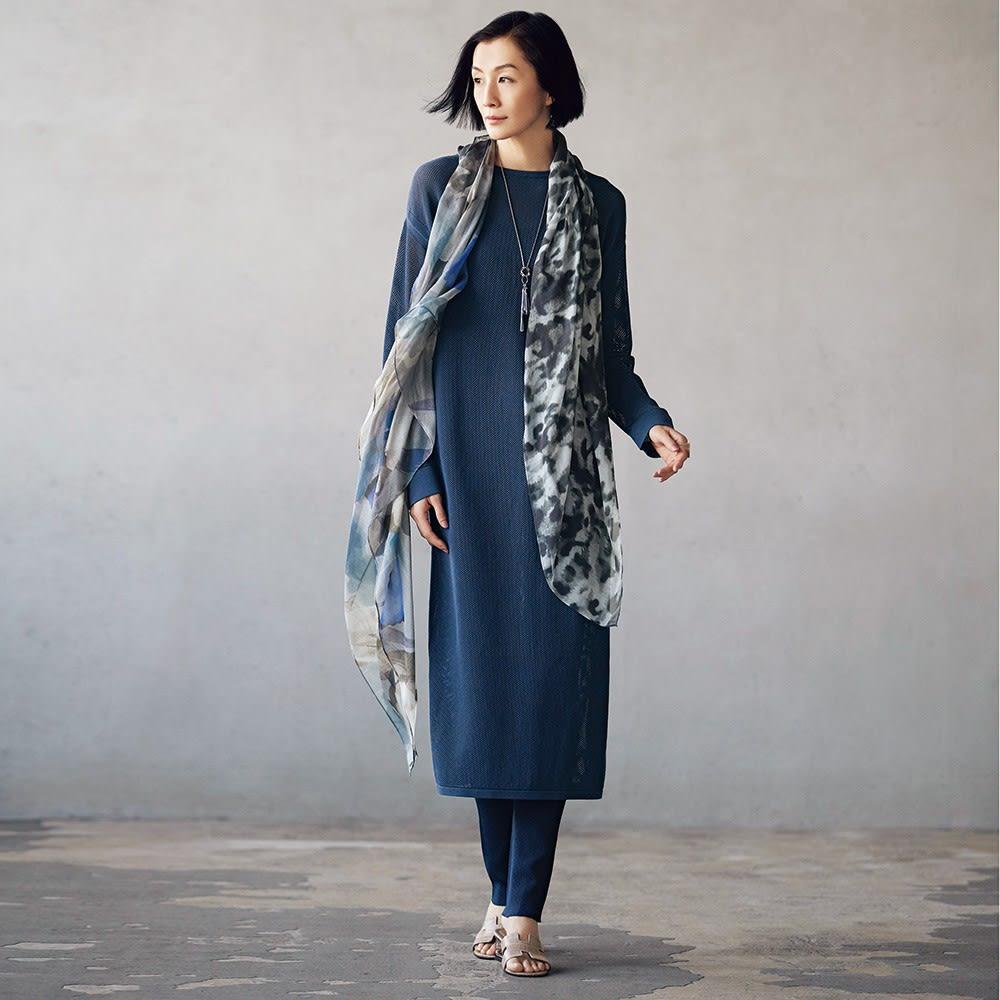 メッシュ編み チュニック&カーディガン コーディネート例 /スタイリングは簡単、でも、どこかこなれた空気感を誘うセットアップ。