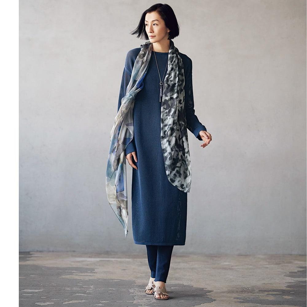リブ編み レギンスパンツ コーディネート例 /スタイリングは簡単、でも、どこかこなれた空気感を誘うセットアップ。