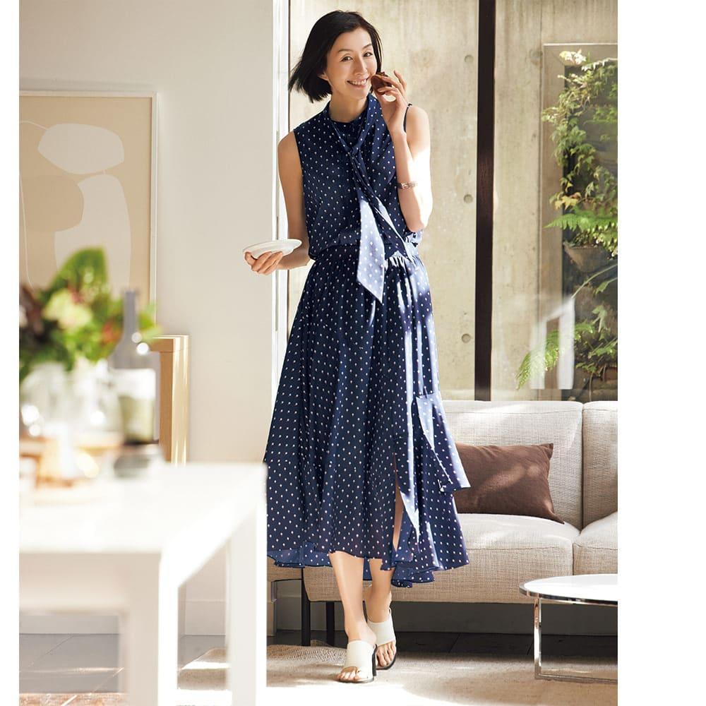 幾何学柄プリント ブラウス コーディネート例 /スカートとセットアップで着るとワンピース見え!