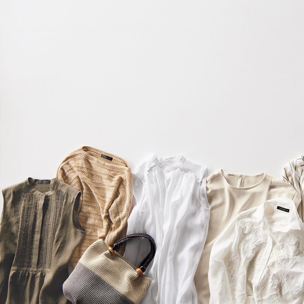 イタリア ラメ糸使い ケーブル編み プルオーバー (ア)キャメル×ゴールドラメ ※左から2番目の商品です。