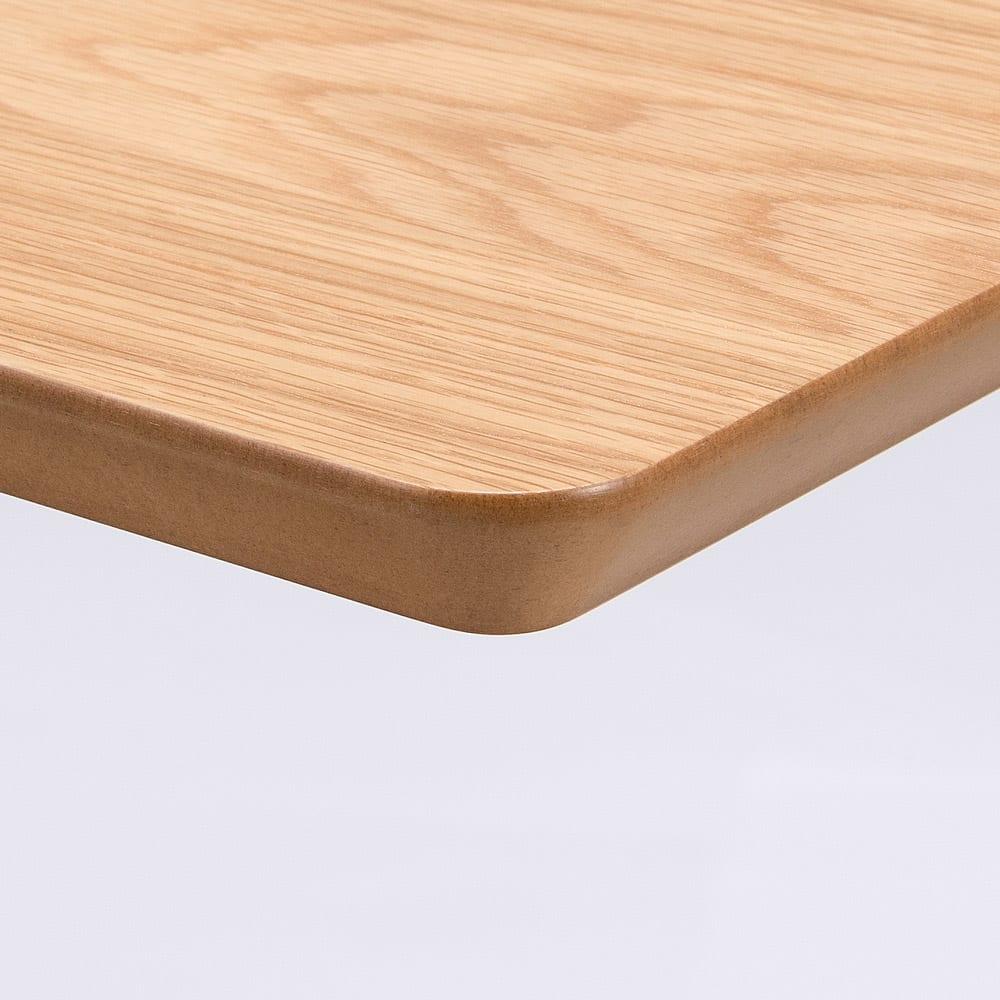 移動がしやすい!キャスター付き昇降式テーブル幅120 (イ)ナチュラルの天板には高級感のあるオーク天然木を使用。