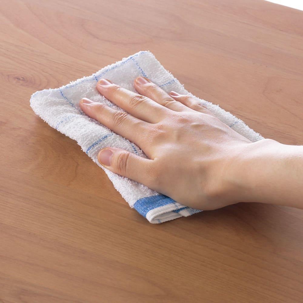 ウォルナット天然木ギャラリー収納シリーズ 幅80cmボード 濡れてもお手入れしやすいよう、天板はウレタン塗装。