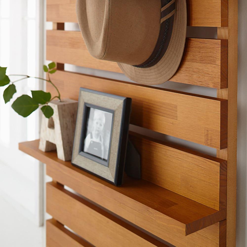 パイン天然木突っ張り式 デコレーション壁面ラック 幅45cm お部屋のワンピントとしてもお使いいただけます。