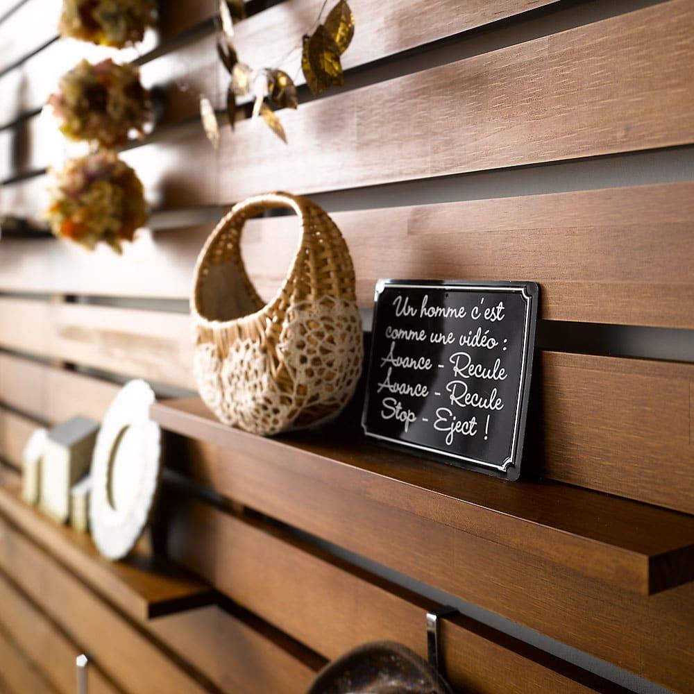 パイン天然木突っ張り式 デコレーション壁面ラック 幅60cm お好みのディスプレイでお部屋があなたの色に染まります。