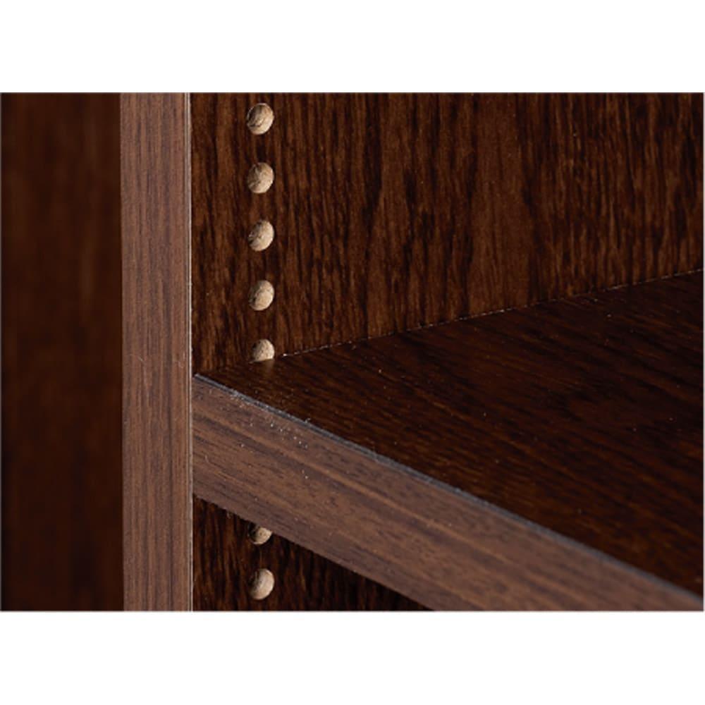 1cmピッチ 薄型窓下収納ラック 幅116cm 棚板は1cmピッチで調節でき、無駄なく収納できます。
