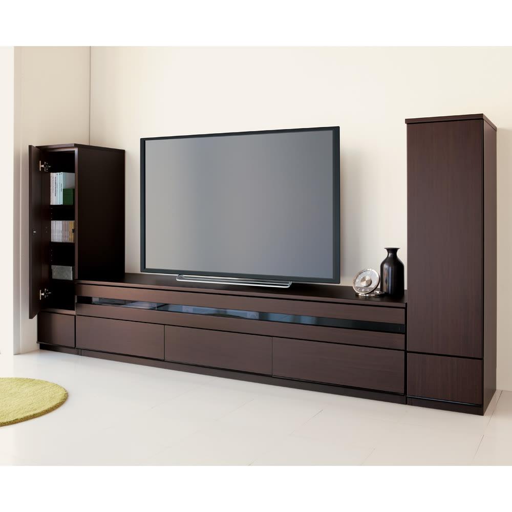 洗練された印象を与える!ラインスタイルシリーズ テレビ台 幅178cm シックで落ち着いた印象の(ア)ダークブラウン。 ※お届けはテレビ台・幅178cmです。※テレビサイズは55インチのイメージです。