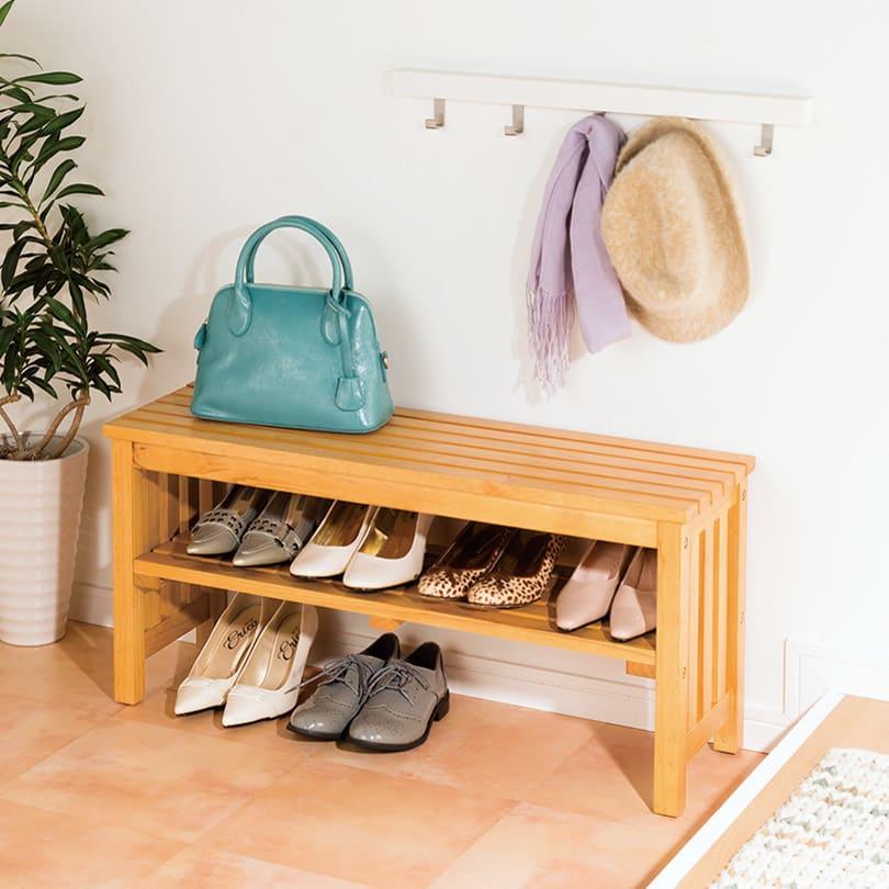 省スペースタイプ 靴の脱ぎ履きが楽な天然木玄関ベンチ 幅85cm 使用イメージ(ア)ライトブラウン