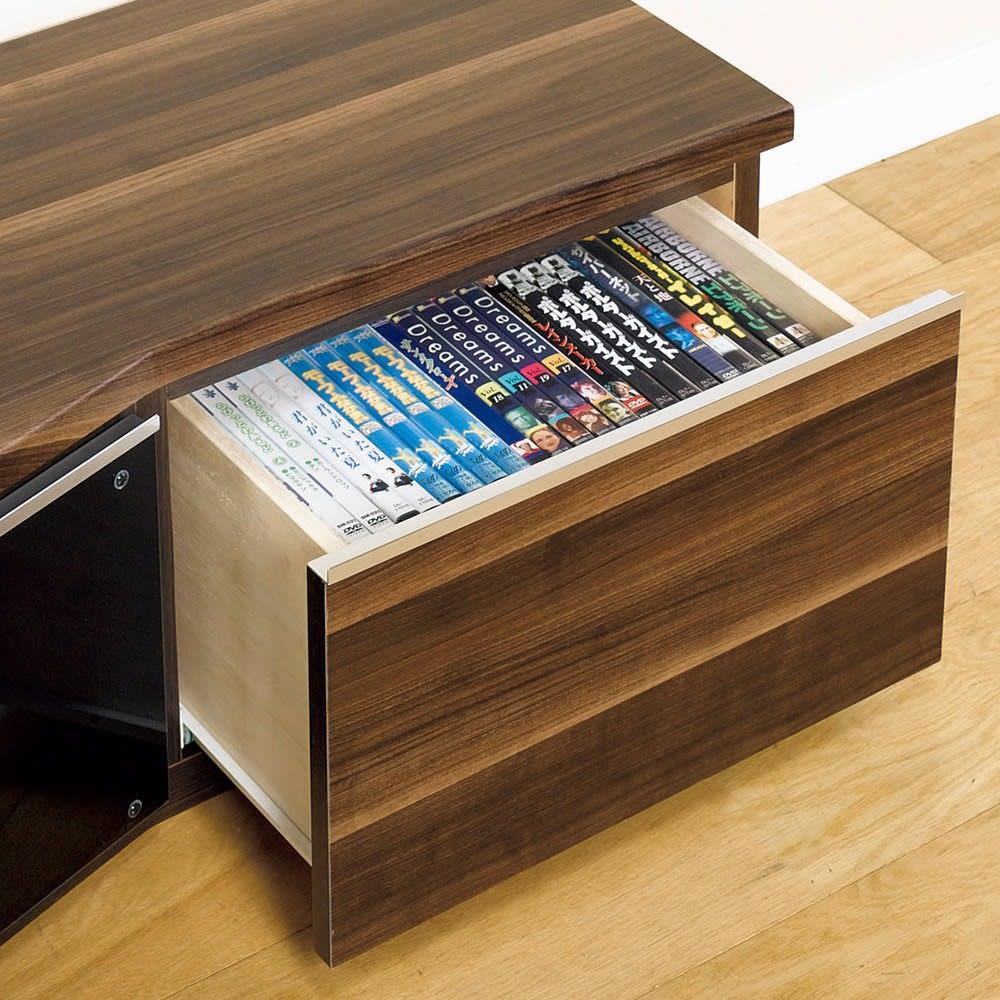 住宅事情を考えたコーナーテレビボード 幅165cm・右コーナー用(右側壁用) 引き出しには、DVDが収納可能。
