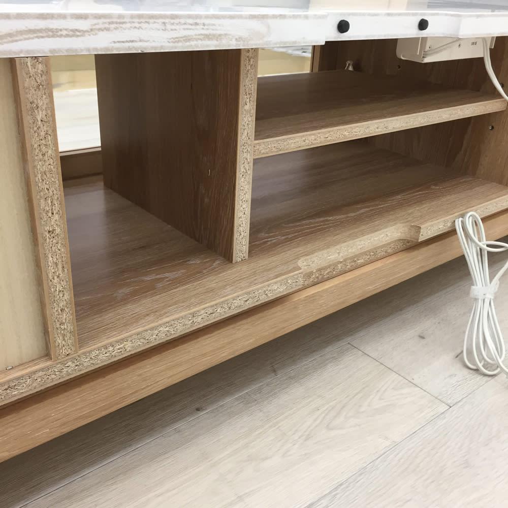 光沢が美しい 北欧風ナチュラルモダン リビング収納シリーズ  テレビ台 幅180cm コンセントタップのコードの長さは200cmです。