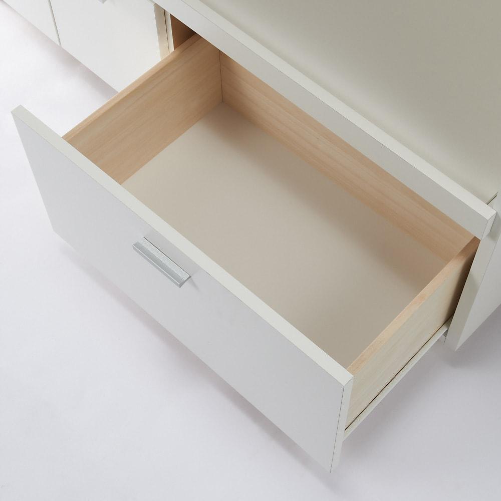 家電たっぷり収納ステンレス天板カウンター 幅149.5cm 引き出しはたっぷり鍋や食品ストックなどボリューム感のある物をまとめて収納。