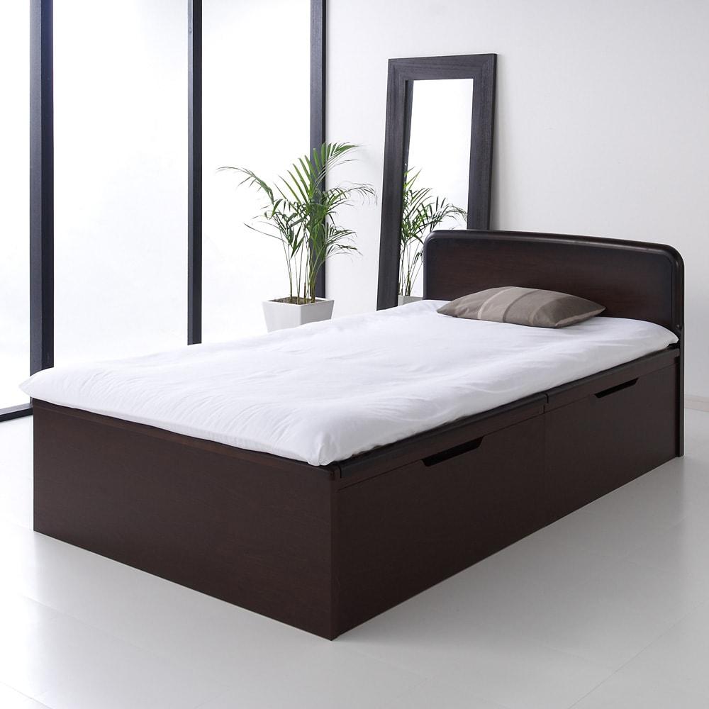 絨毯のような長いモノも収納できる!跳ね上げ式収納畳ベッド ヘッド付き(高さ80・床面まで41cm) ベッド上に布団をご使用になった時のイメージ。 写真はヘッド付きセミダブルです。
