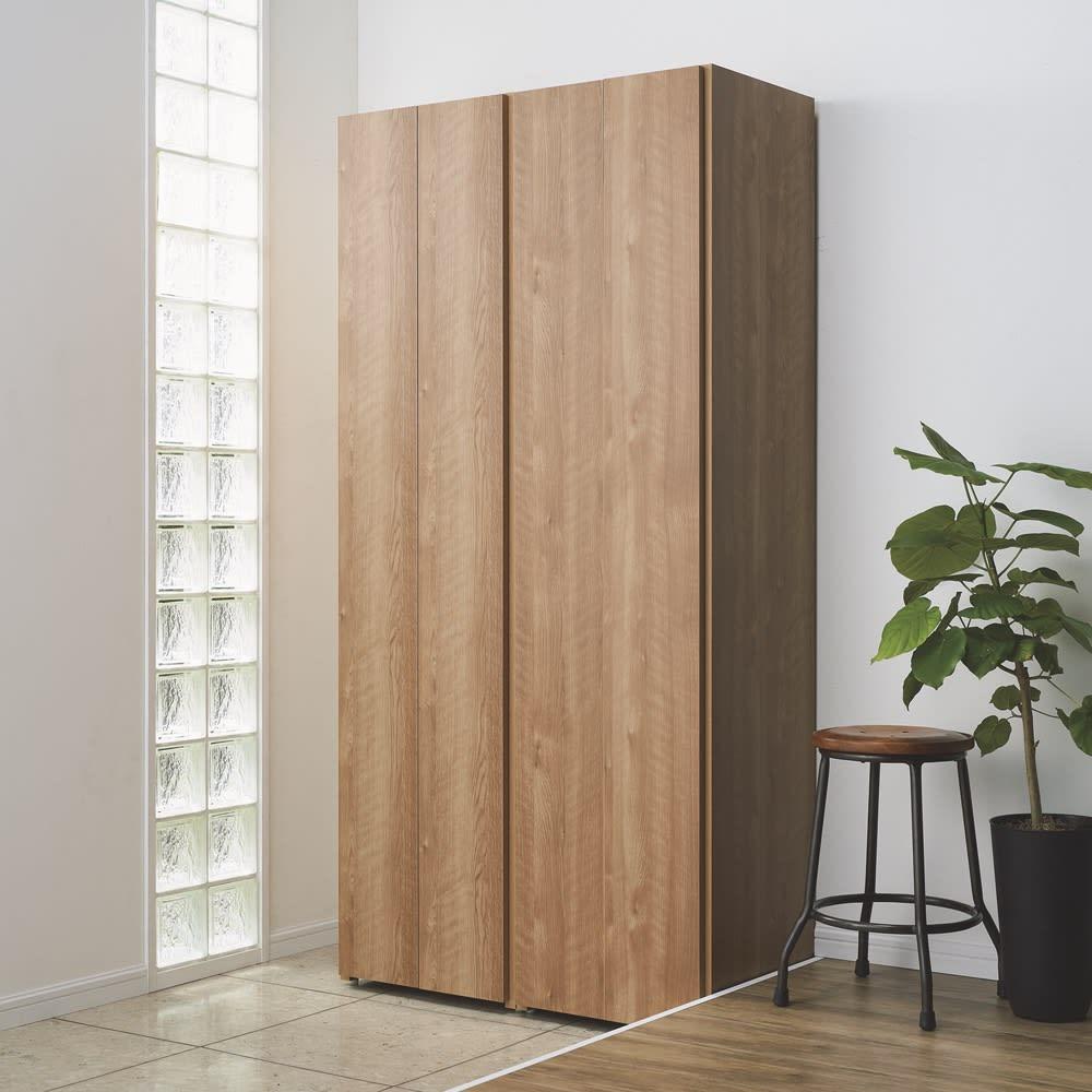 エントランス納戸シューズボックス バー付き 幅80cm 色見本(ア)ブラウン 扉を閉めてすっきり。