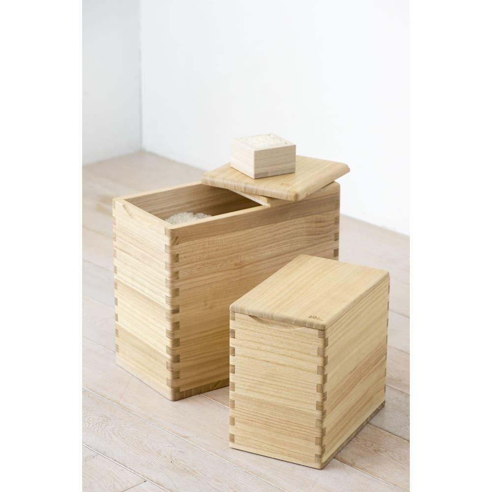 イシモク「桐子モダン」 桐の米びつ 10kg 手前5kgタイプ、奥10kgタイプ