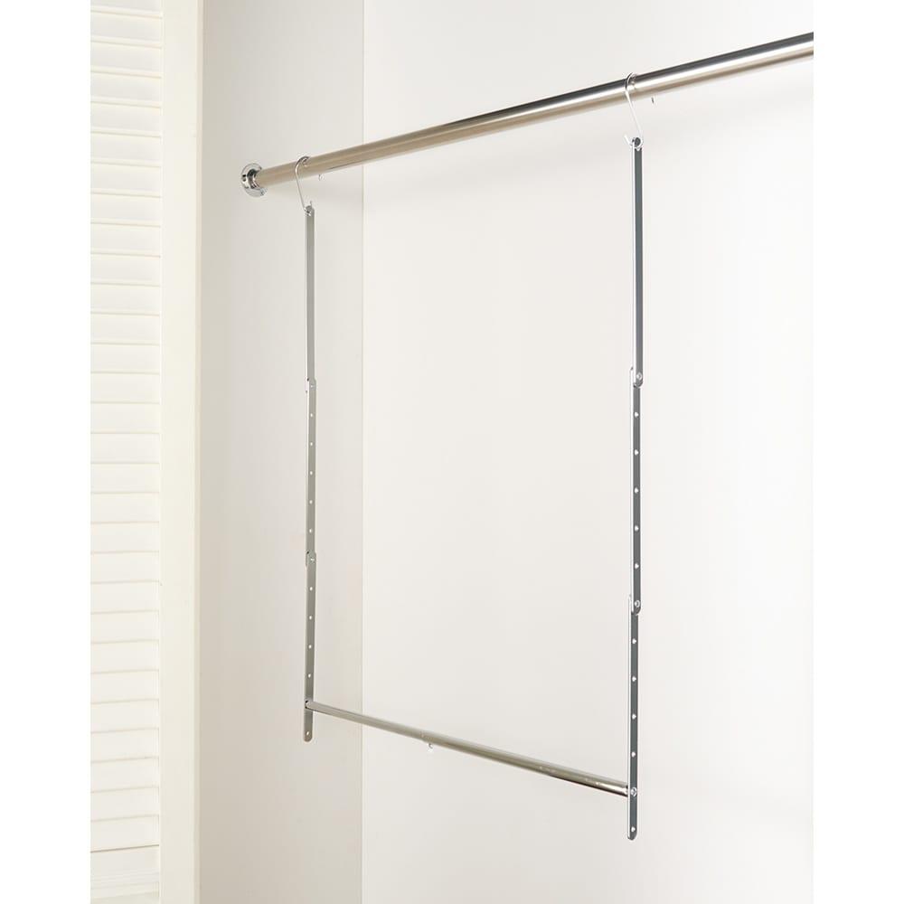 幅伸縮高さ調節可能ハンガー 幅41~70cm 幅伸縮に加え、衣服の丈や設置場所に応じてハンガーパイプの高さを5cmピッチ11段階で調節できます。