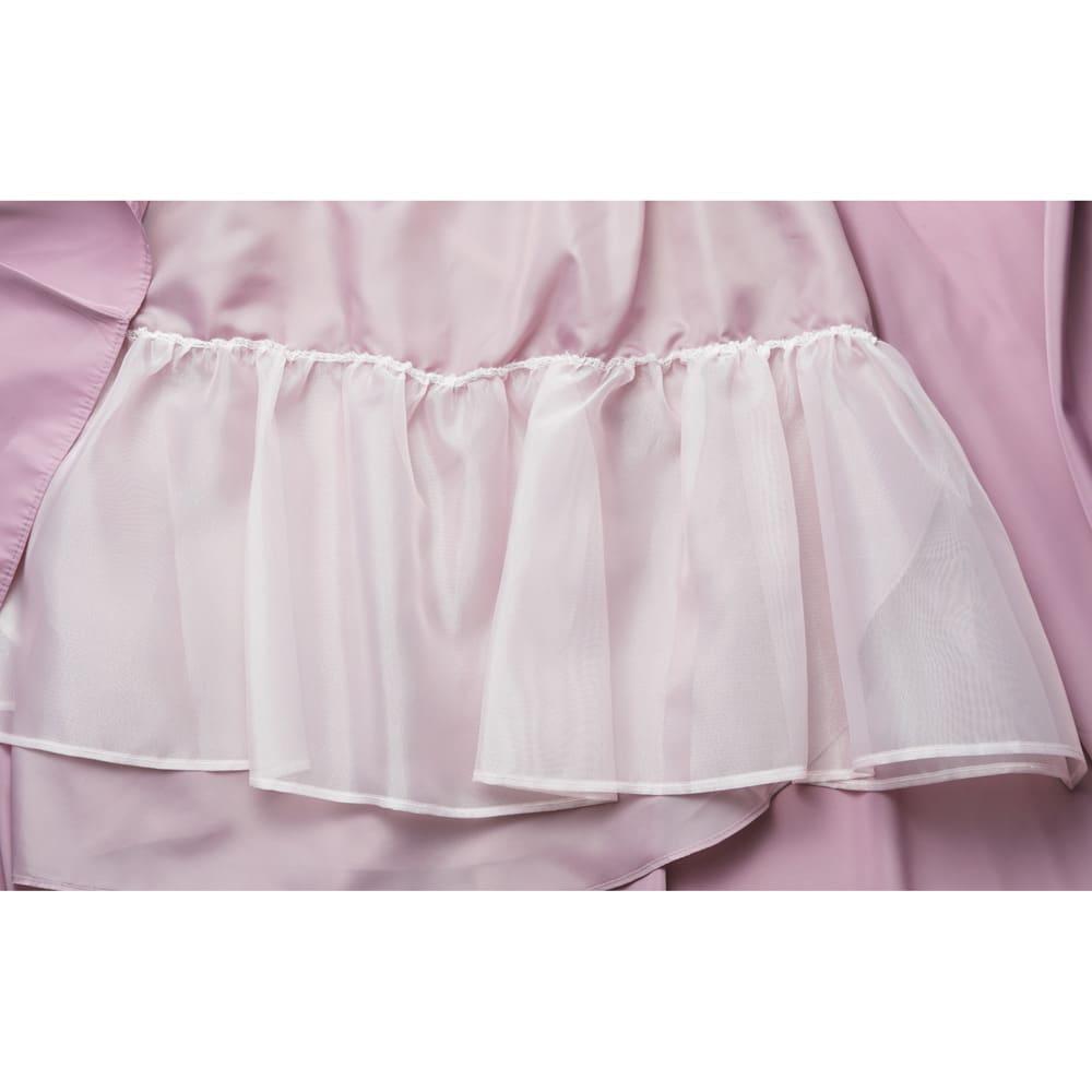 TRECODE/トレコード 神戸・山の手スカート 内側のチュールでボリューム感を出しています。