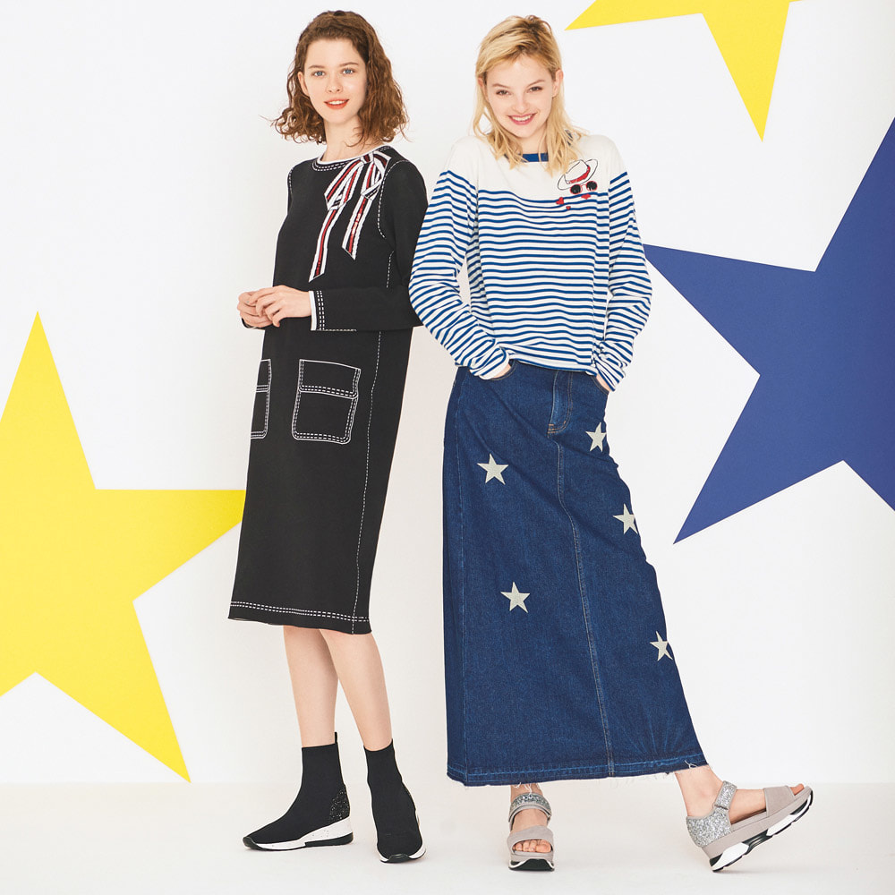 星柄刺しゅうデニムスカート (右)星柄刺しゅうデニムスカート 着用例