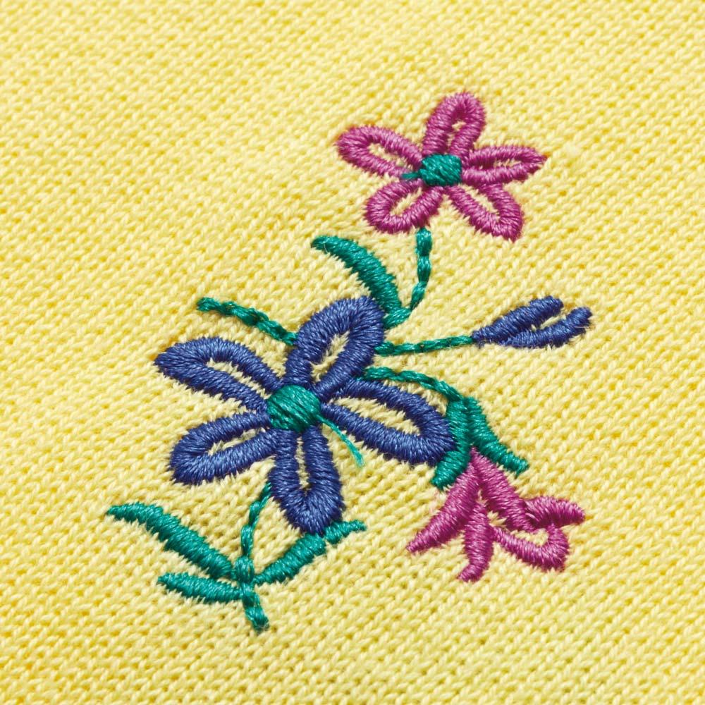 小花柄刺しゅう ニットプルオーバー