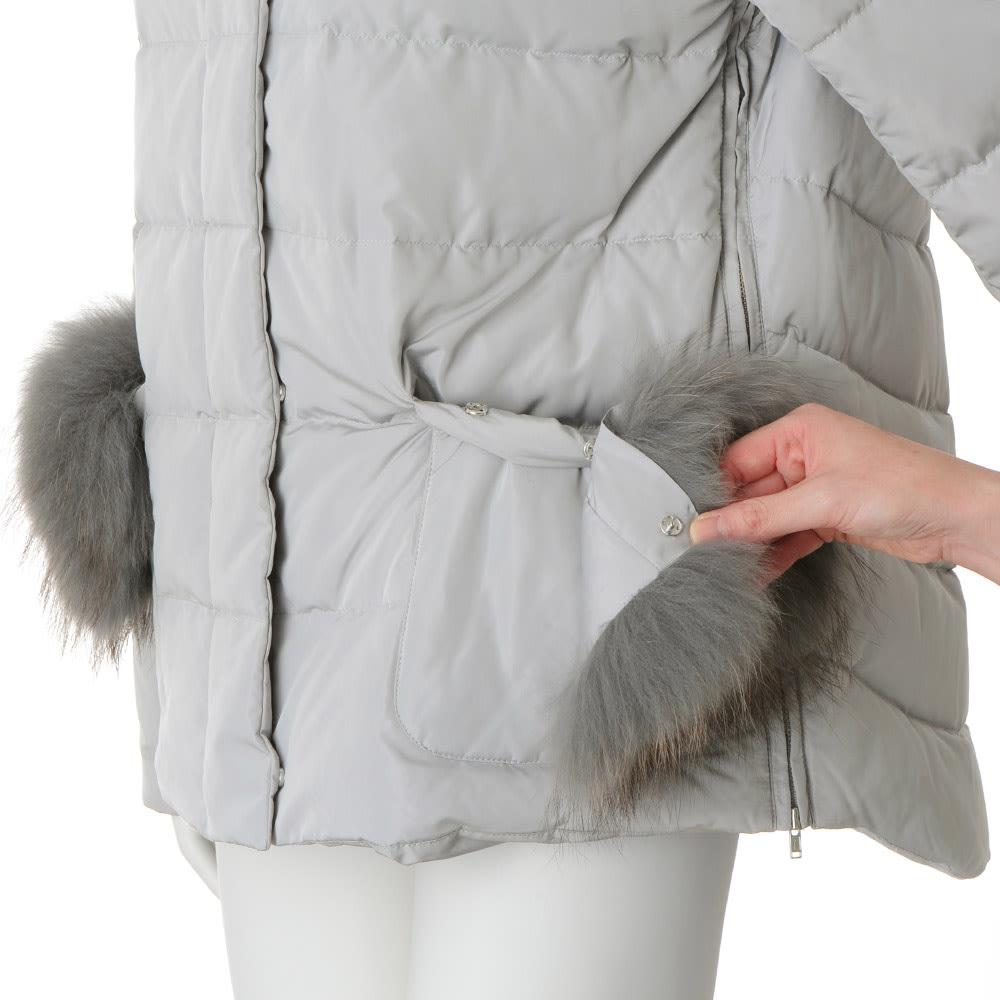 ラクーンファー付き ダウンショートコート ポケットのファーは取り外しできます。