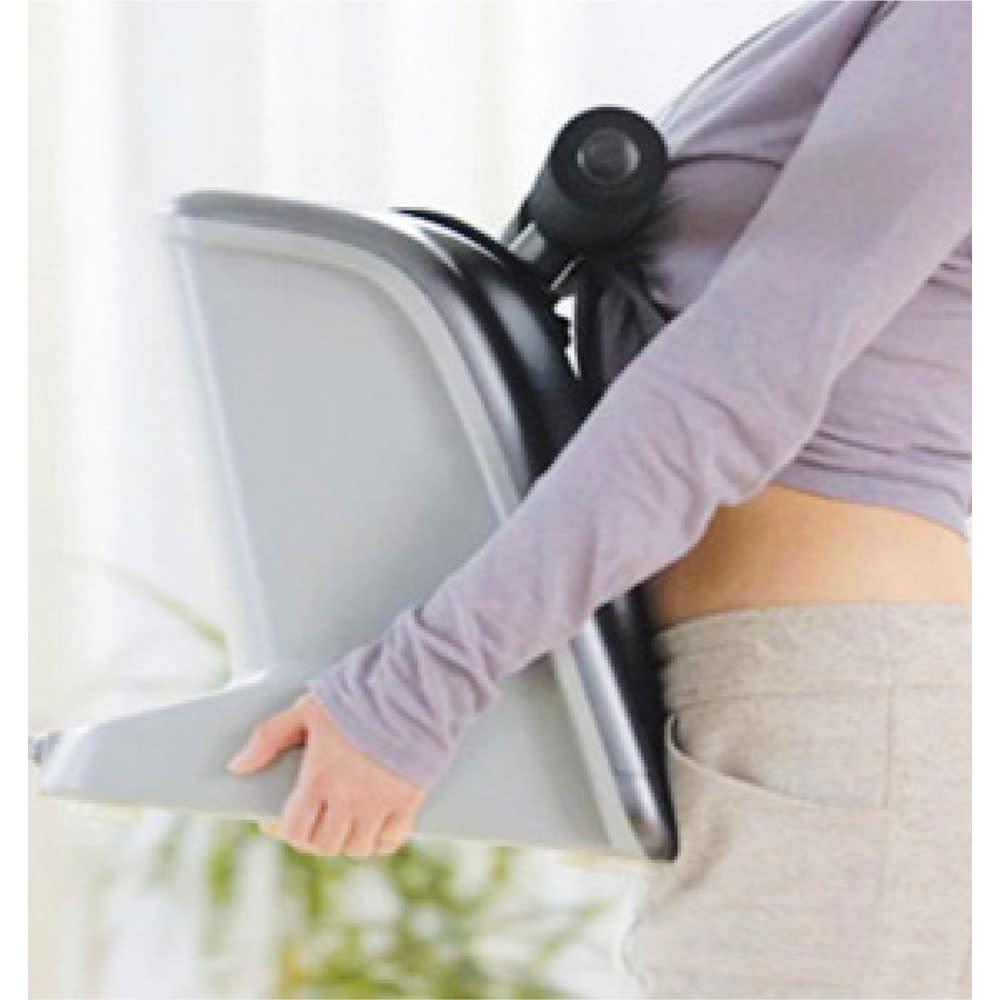 揺らして伸ばす 腰マッサージャー ライフアッププロ 持ち運びもできます。