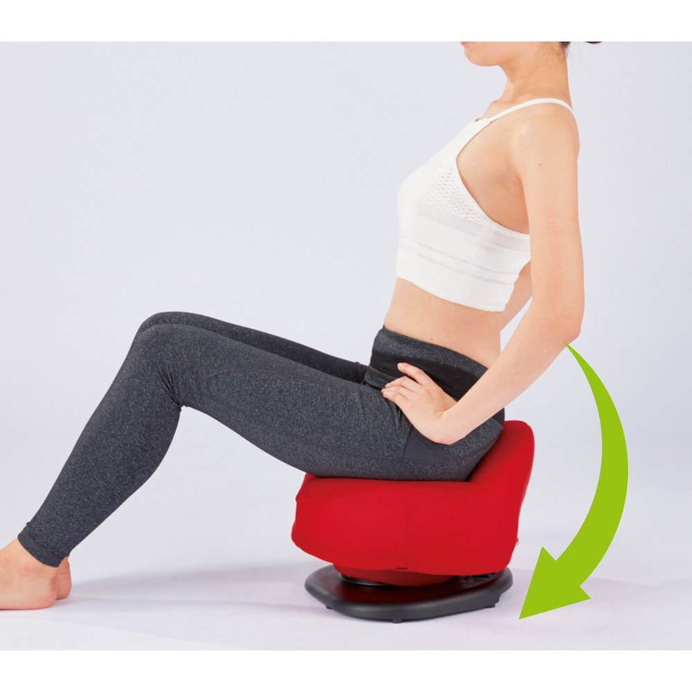 東急スポーツオアシス 骨盤スリムチェアDX 座って揺れるだけ 3つのエクササイズで筋肉を刺激 2 下腹シェイプ 背筋を伸ばす、という意識でクッションを前後に傾けます。下腹のぽっこり対策に効果的な腹直筋にアプローチします。