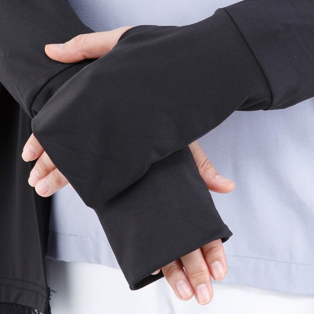 風が通るレース使い 遮熱ロングパーカ 手の甲だけでなく、指先まで完全ガード。