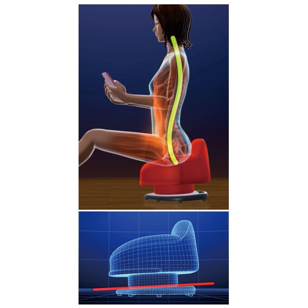 東急スポーツオアシス 骨盤スリムチェアDX 【スマホ姿勢も美姿勢に】独自の傾斜をつけた台座は、座るだけで自然と骨盤が立つように設計。