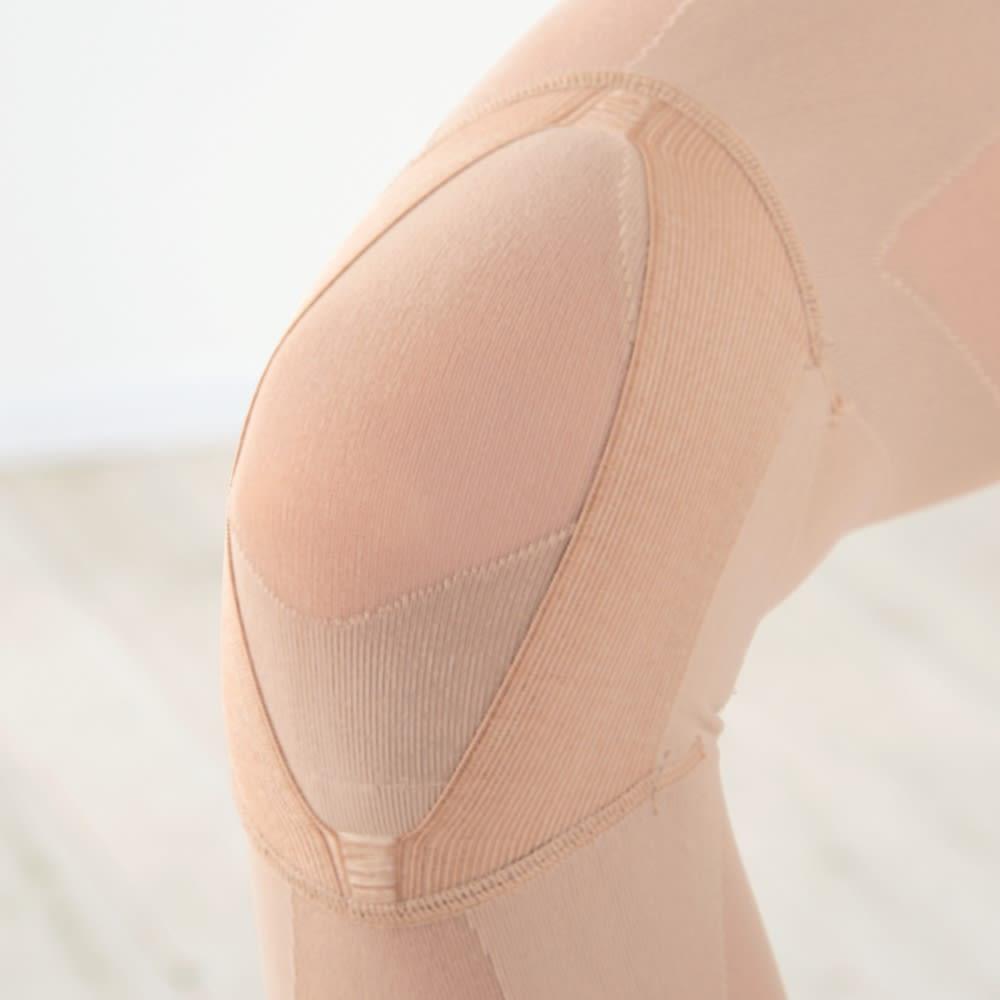 グングンウォークW 2重構造のテーピング編みと開閉式テーピングベルトのWパワーでひざを上下・左右からしっかり支えます。