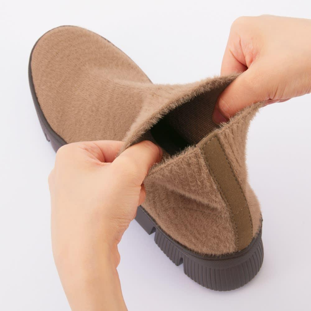 GOMUGOMU/ゴムゴム やわらかニットブーツ 伸縮性の高い素材だから、足首周りもラク。脱ぎ履きも簡単。